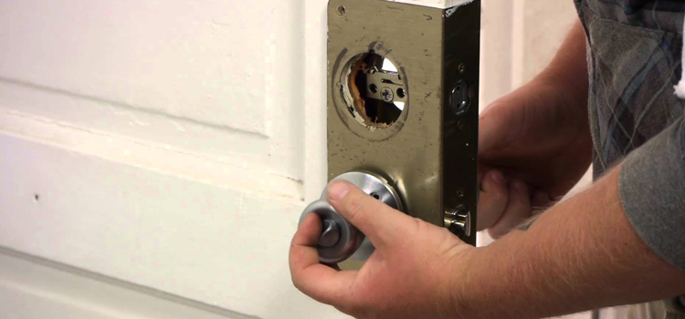 Home Lock Change in Quaker